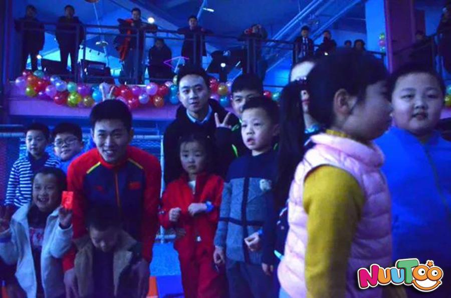 蹦床乐园+儿童乐园+儿童室内蹦床