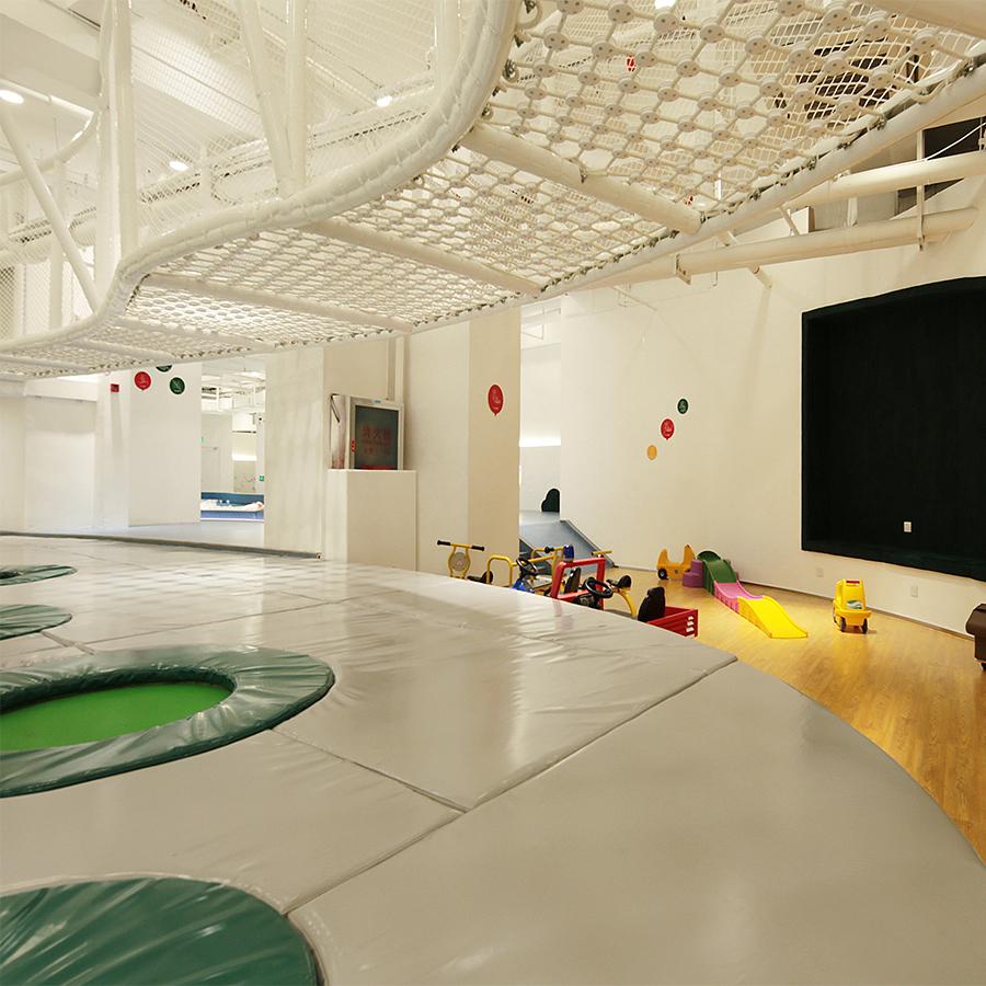 室内拓展+小型儿童游乐设备+家里滑梯
