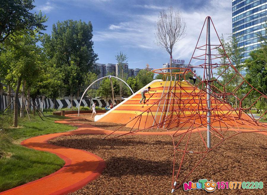 兒童游樂場設備