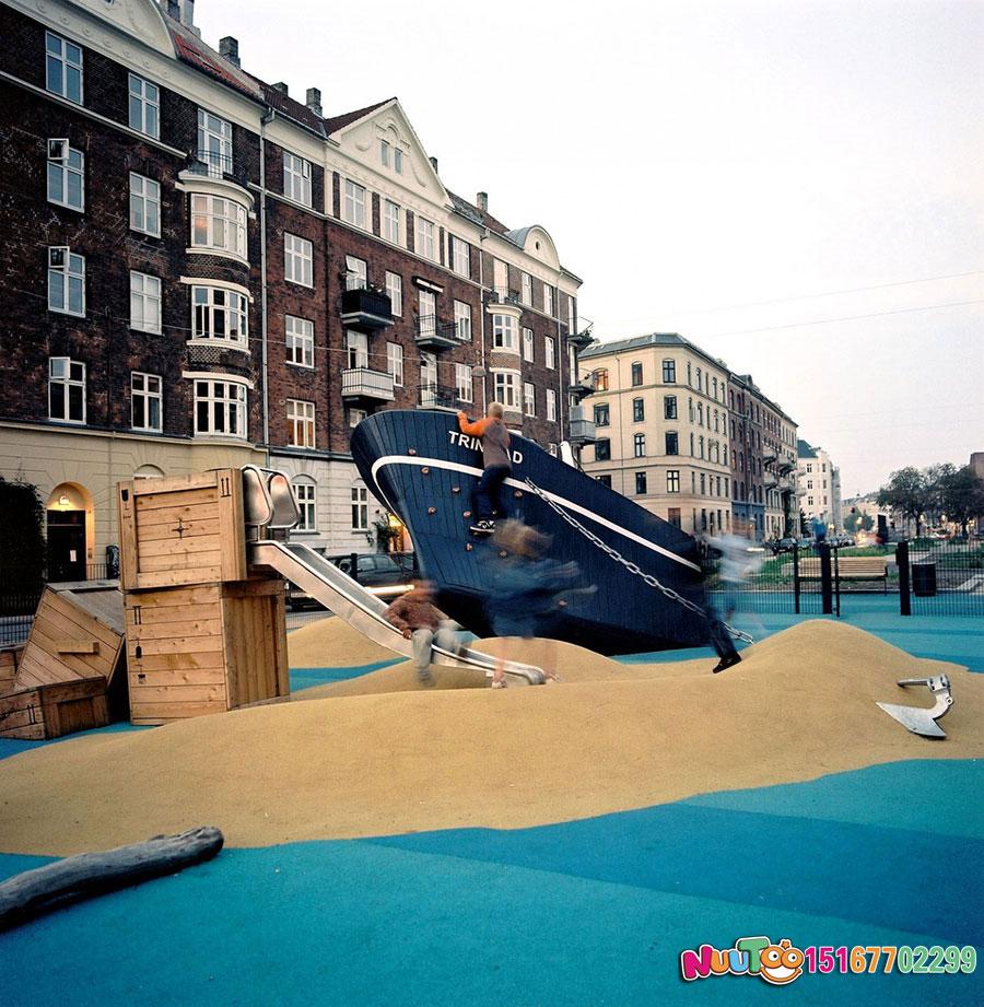 海盜船游樂景觀木制滑梯_樂圖非標游樂